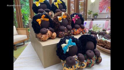 Projeto produz bonecas e bonecos pretos para doar às crianças de comunidades