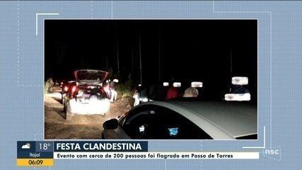 Polícia flagra festa clandestina em Passo de Torres
