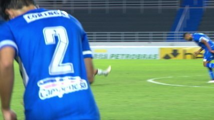 Marquinhos recebe segundo cartão amarelo e é expulso, aos 14' do 2º T