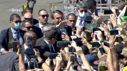 Sem desfile devido à pandemia, Bolsonaro gera aglomeração em ato do 7 de  Setembro no Alvorada | Política | G1