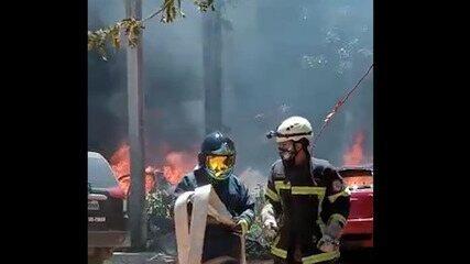 Incêndio destrói veículos em depósito da polícia em Timon