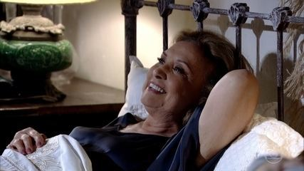 Íris insiste em chantagear Tereza Cristina