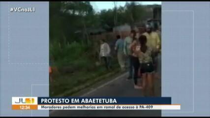 Moradores de comunidade protestam na PA-409 em Abaetetuba, no Pará