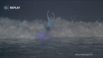 Italo Ferreira faz a melhor onda da noite e conquista a maior pontuação