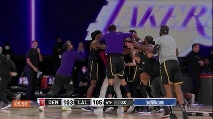 Jogada no último segundo garante vitória de virada do Lakers sobre o Denver Nuggets