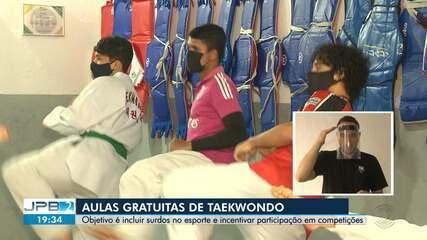 Aulas gratuitas de taekwondo são oferecidas para surdos