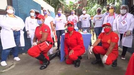 Grupo de brigadistas da Defesa Civil adapta ações para promover a solidariedade