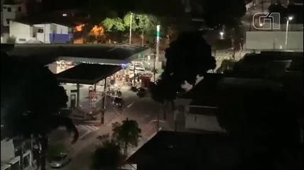 Aglomeração com paredão de som é dispersa a tiros em posto de combustíveis de Fortaleza