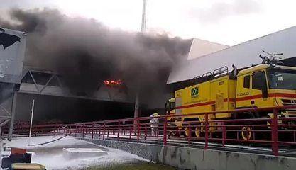 Incêndio atinge parte do aeroporto de São Luís (MA)