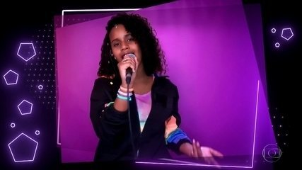 "Karen Silva canta ""Meu Talismã"""