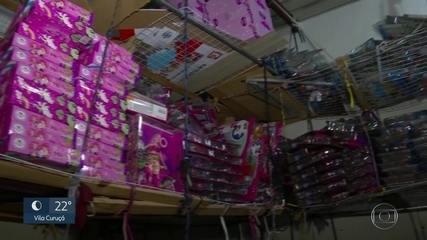 Toneladas de brinquedos irregulares são apreendidos no centro de São Paulo