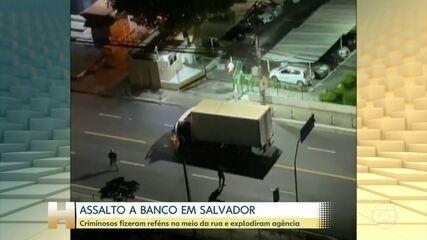 Criminosos explodem agência bancária em Salvador