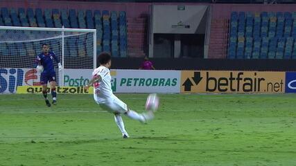 Gol do Bragantino! Claudinho aproveita falha bizarra de Jean e faz um golaço, aos 19' 1T