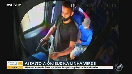 Ônibus que levava passageiros para a Praia do Forte é assaltado por um homem armado