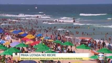 Praias cheias em Recife