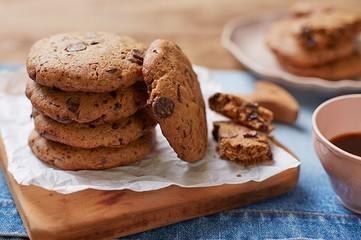 Cookies com gotas de chocolate da Rita Lobo