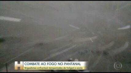 Brigadistas enfrentam tempestades de fuligem e areia no Pantanal