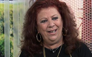 Beth Carvalho fala sobre as canções de Cartola
