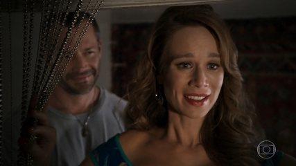 Apolo (Malvino Salvador) faz uma surpresa para Tancinha (Mariana Ximenes) - 'Haja Coração'