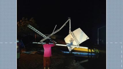 Chuvas e ventos fortes atingem cidades do RN e derrubam teto de posto e pórtico no Oeste