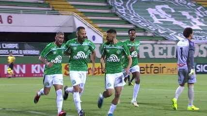O gol de Chapecoense 1 x 0 Operário-PR pela 18ª rodada do Campeonato Brasileiro Série B