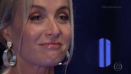 Angélica se surpreende com um chamada de vídeo inesperada