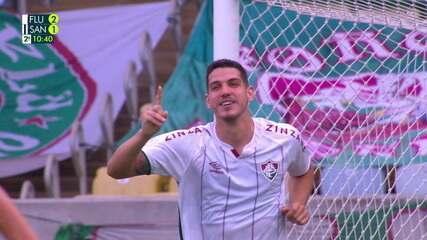 Gol do Fluminense! Michel Araujo cabeceia para dentro da área, e Nino desvia também de cabeça e marca, aos 9 do 2º tempo