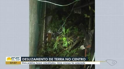 Deslizamento atingiu casa no Centro de Vitória