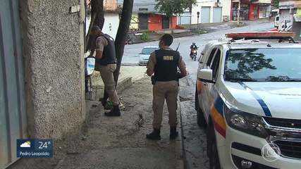 Polícia suspeita de feminicídio em corpo de mulher encontrado com os pulsos cortados