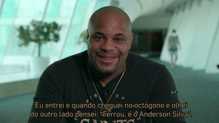 "Daniel Cormier fala sobre Anderson Silva: ""Ele tem uma aura de lenda"""