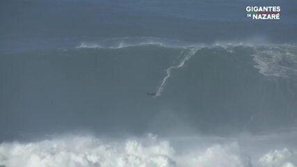 Tony Laureano pega onda gigante em Nazaré