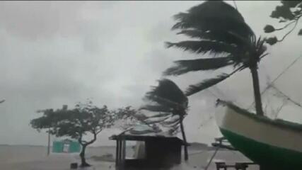 Tufão Goni chega às Filipinas e deixa mortos