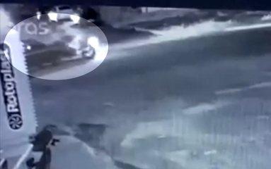 Jovem morre após moto bater de frente contra carro em rua de Jataí