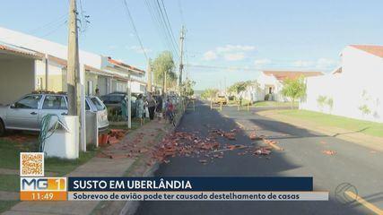 Moradores de condomínio em Uberlândia fazem reparos após rajada de vento destelhar casas