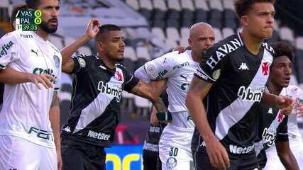 Felipe Melo aplica a barra de braço em Léo Matos, aos 39 anos do 1º