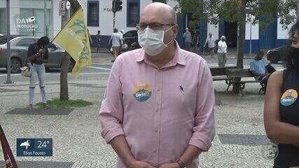 Candidatos à Prefeitura de Campinas caminham pela cidade e fazem 'bandeiraço' nesta quinta
