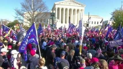 Apoiadores de Donald Trump vão às ruas da capital Washington
