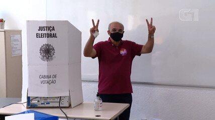 Bandeira de Mello vota no Rio de Janeiro