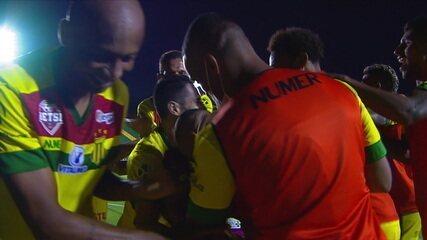 Os gols de Figueirense 1 x 2 Sampaio Corrêa pela 23ª rodada do Brasileirão Série B