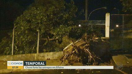 Chuva forte causa estragos em Rifaina, SP