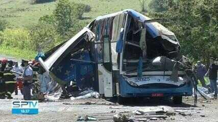 Empresa de ônibus envolvido em acidente teria usado estrada mais perigosa para evitar fiscalização
