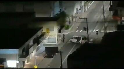 Bandidos trocam tiros com a polícia após tentativa de assalto em Criciúma, SC