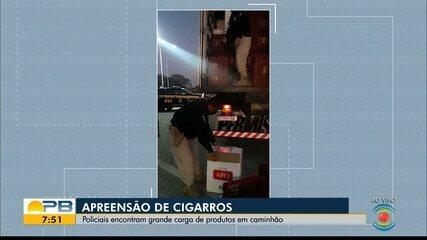 Policiais apreendem carga de cigarros escondidos em caminhão, em Campina Grande