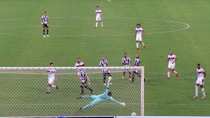 O gol de Botafogo 0 x 1 Flamengo pela 24ª rodada do Campeonato Brasileiro