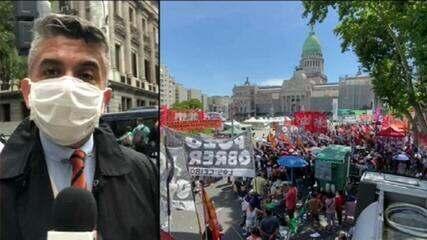 Deputados argentinos aprovam projeto de lei que legaliza o aborto