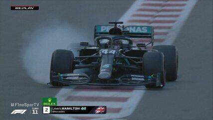 Hamilton trava pneu em freada no treino livre para o GP de Abu Dhabi
