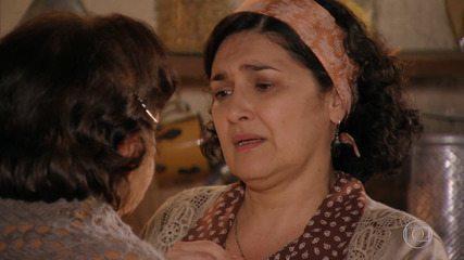 Maria Adília confessa à mãe que está com medo de ter voltado