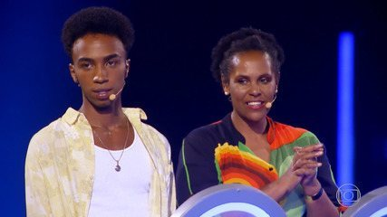 Cátia e Lucas iniciam busca pelo prêmio do 'The Wall'