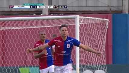 Gol do Paraná! Thiago pega sobra e chuta, Igor solta e Karl empata no rebote contra o Botafogo-SP