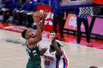 Melhores momentos: Detroit Pistons 101 x 110 Milwaukee Bucks pela NBA